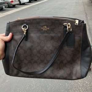 Woman's coach purse condition 9/10
